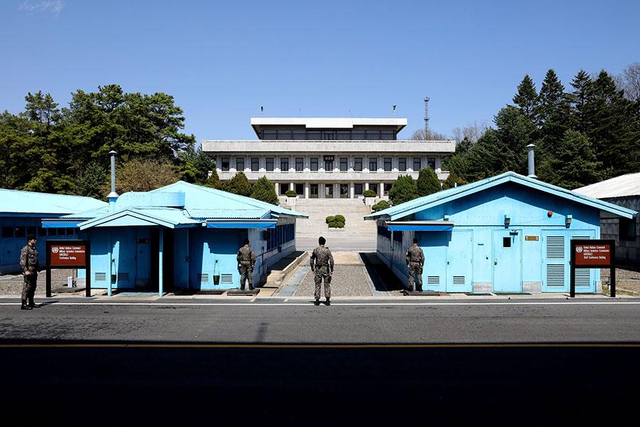 南韓總統文在寅與金正恩在板門兩度會晤,目前美朝協商小組正在板門店秘密會面。(Chung Sung-Jun/Getty Images)