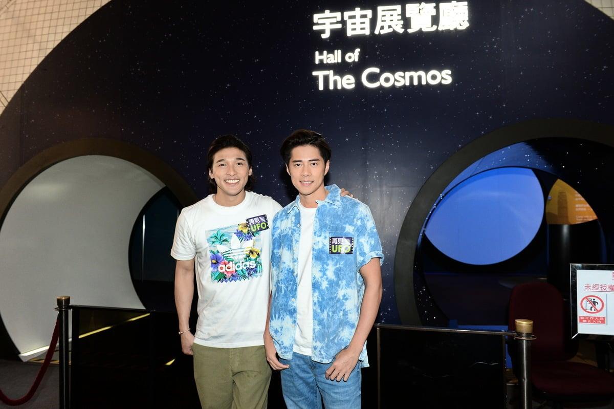 Shine組合黃又南(左)與徐天佑為拍攝新戲再次走在一起。(宋碧龍/大紀元)