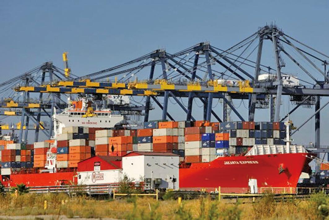 在美國政府「放生」中興後,外界開始關注即將公佈的總值500億美元大陸進口商品的關稅清單。(David McNew/Getty Images)