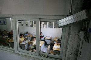 中共監視系統全滲透 學生:準備好了錘子