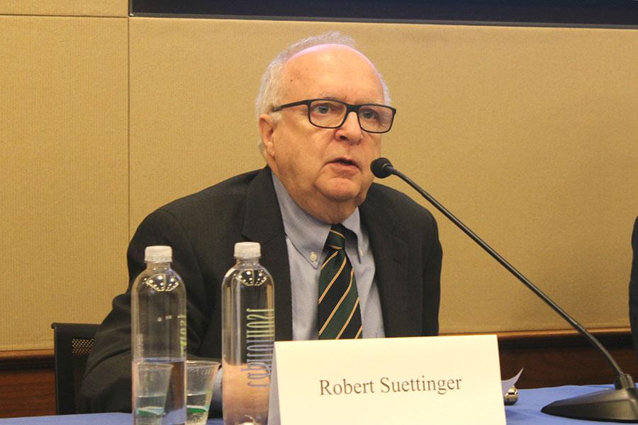 前白宮國安會亞洲主任蘇葆利(Robert Suettinger)表示,美國曾寄希望於中國的經濟發展能為人權狀況帶來積極影響,而這一想法落空了。(林樂予/大紀元)