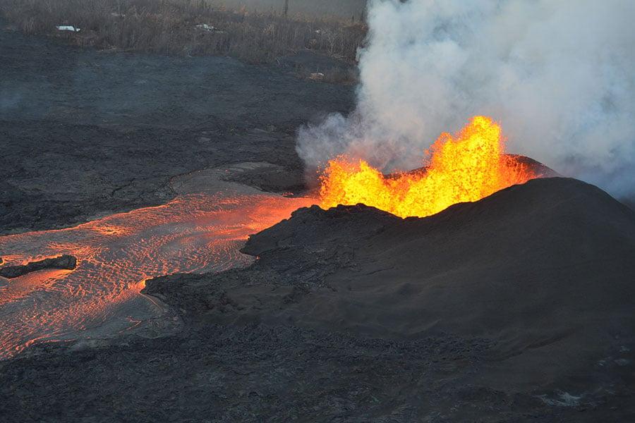 夏威夷的基拉韋厄(Kilauea)火山於當地時間6月5日清晨再噴發,並引發了5.5級地震。 (Volcanoes/USGS官網)