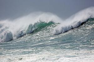 南大洋現破記錄的「怪獸波」