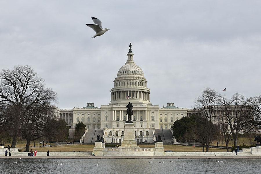 周二,美國聯邦眾議院壓倒性通過一項法案,擴大監管機構的職權,加強審查甚至阻止可能威脅國家安全的外國投資,特別是來自中國境內的投資。(MANDEL NGAN/AFP/Getty Images)