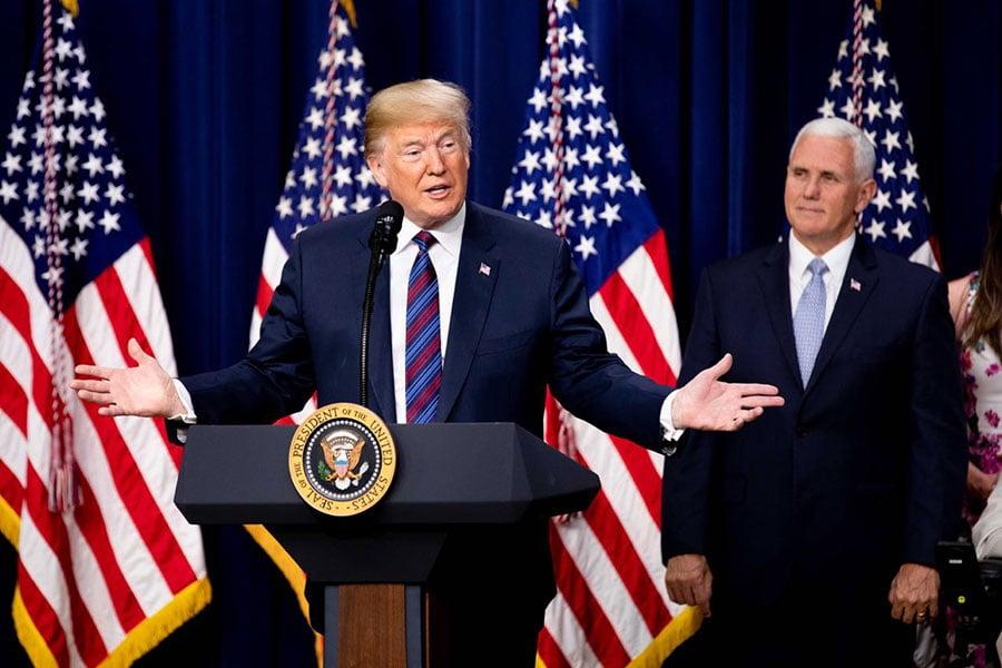 在第二輪中美貿易談判中,雙方發佈了一份聯合聲明,表達貿易休戰的意願。然而一周之後,特朗普突然來了個180度大轉彎,宣佈將對華徵收關稅。(Samira Bauaou/大紀元)