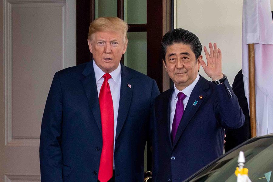 2018年6月7日中午,日本首相安倍晉三抵達白宮,與美國總統特朗普舉行會晤。(Samira Bouaou/大紀元)