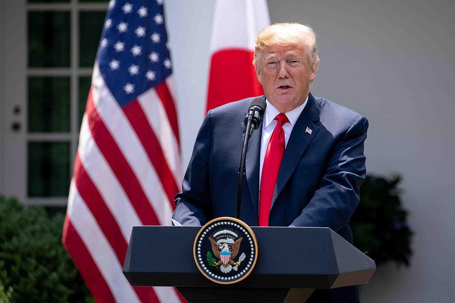 2018年6月7日下午,美國總統特朗普在白宮玫瑰園舉行的聯合記者會上回答記者提問。(Samira Bouaou/大紀元)