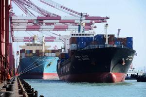 中美貿易順差五月「反常」 同比降近四成
