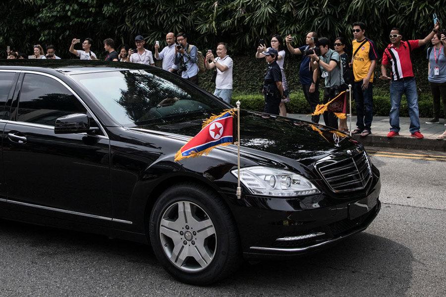 金正恩抵新加坡 外媒:孤注一擲
