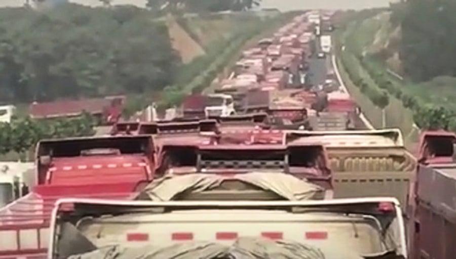 中國卡車司機發動全國大罷工