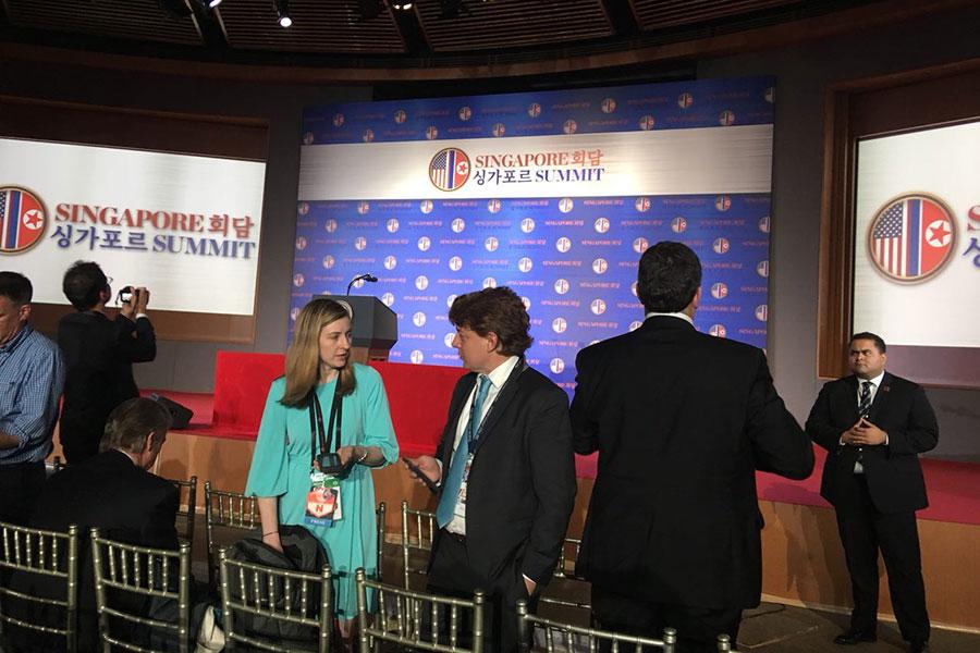 即將舉行美國總統特朗普記者會的現場。(Charlotte Cuthbertson/大紀元)