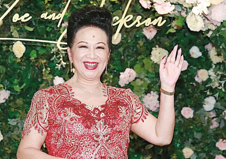 薛家燕兒子娶老婆 新奶奶豪花幾千萬送贈新人