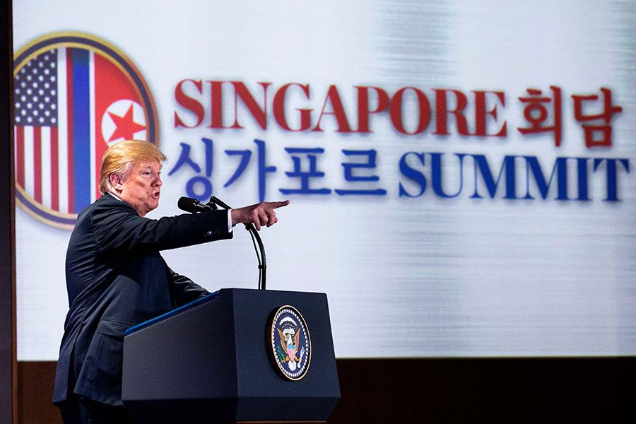 特朗普說:「我們夢想有一個未來,所有的南北韓人民都可以和睦相處、家庭重聚、希望重生,和平之光將消除戰爭的黑暗。」(Samira Bouaou/大紀元)