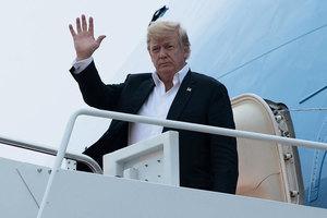 特朗普返回美國 途中曾與文在寅和安倍通話
