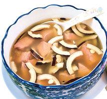 海椰子川貝瘦肉湯