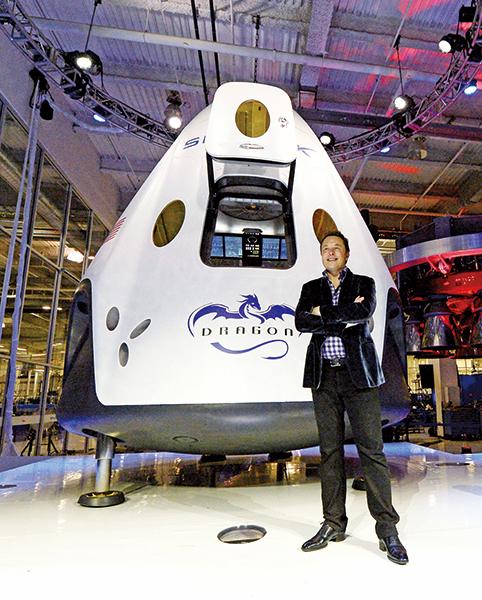 SpaceX宣佈將今年送觀光客繞行月球的計劃延至明年。(Kevork Djansezian/Getty Images)