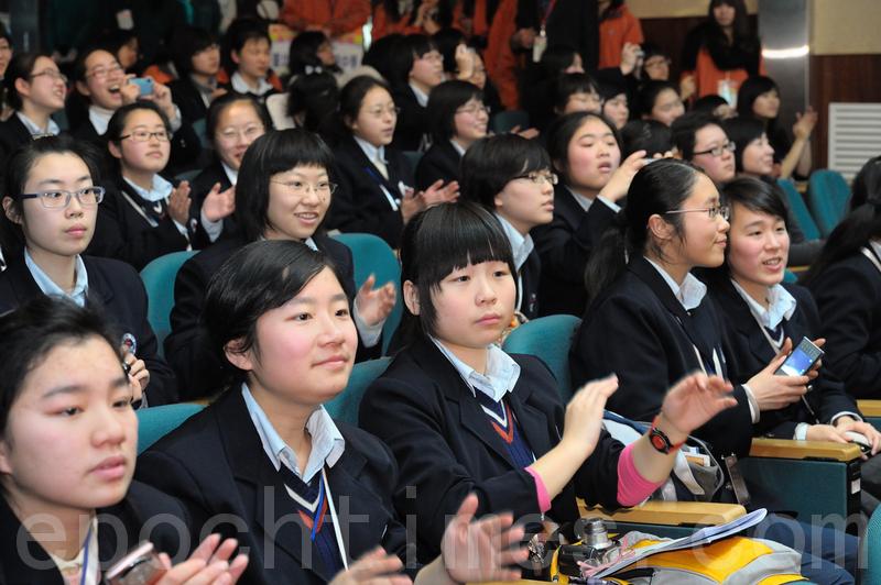 由於中共限縮陸生來台人數,台灣國內大學學士班今年招收陸生名額只剩800人。圖為陸生示意圖。(大紀元資料圖)