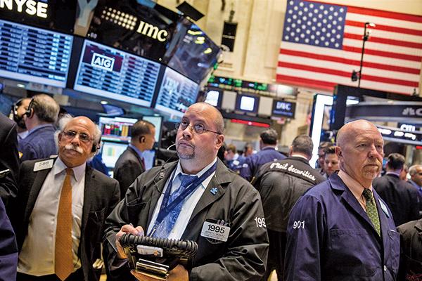 美國加息 ,信用評級機構Moody's估計,美國國債金額將由目前的21萬億美元增長到2028年的30萬億美元。(大紀元圖片庫)