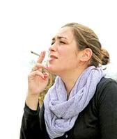 為甚麼女性吸菸戒不掉?