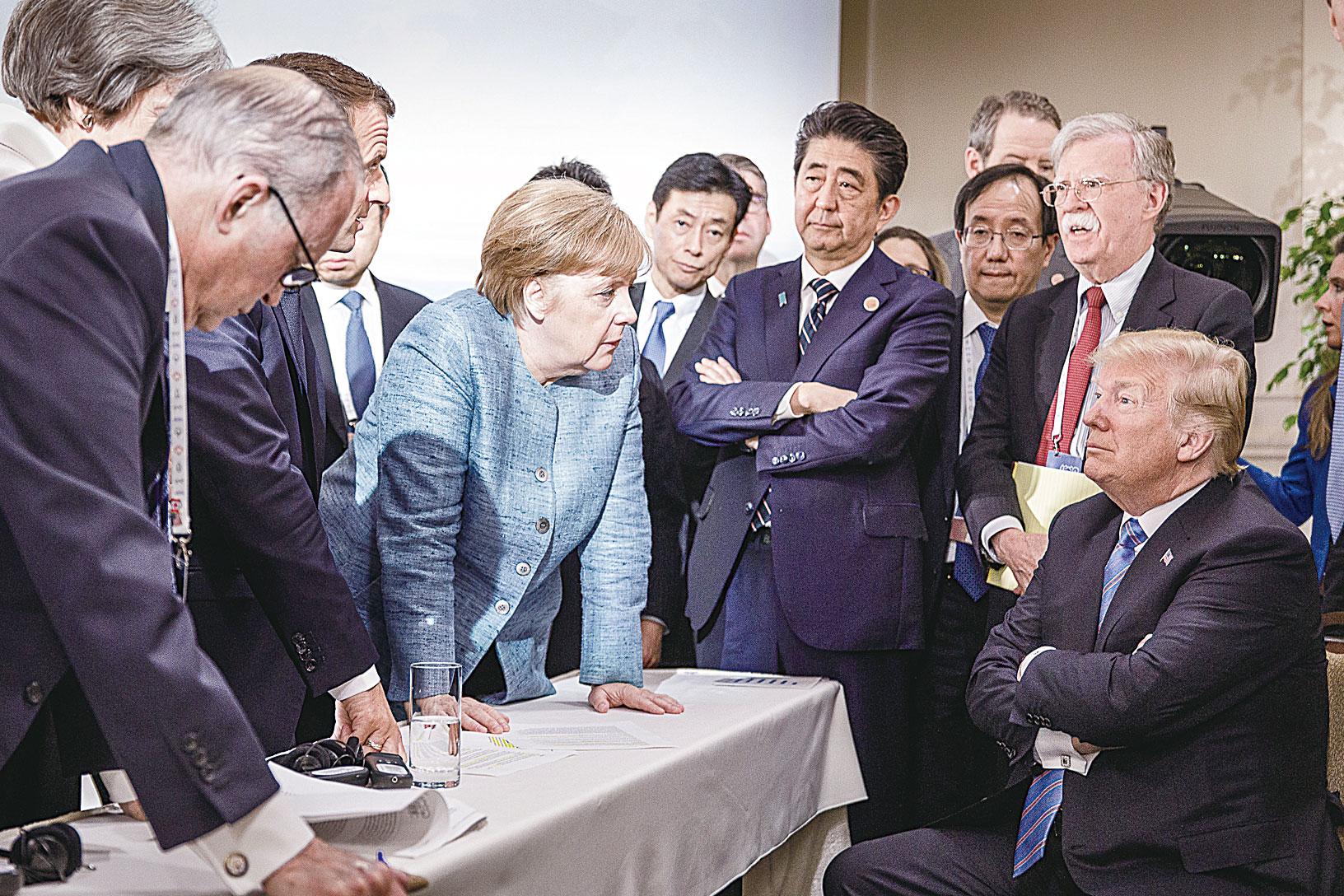 6月9日,德國總理默克爾的團隊在其社交媒體上上傳了一張剛剛在加拿大召開的G7峰會的照片。(Getty Images)