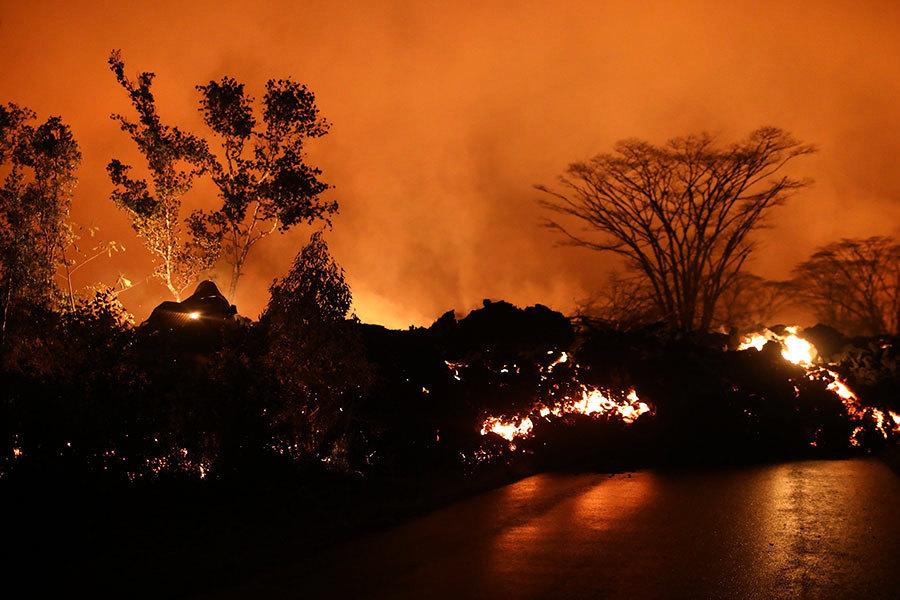 夏威夷火山噴發後 天降綠色水晶「雨」