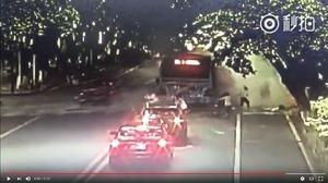 四川一公交車突發爆炸 15人受傷