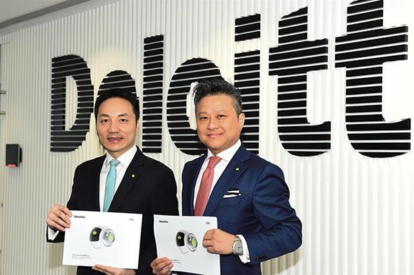 德勤中國全國上市業務組聯席主管合夥人歐振興(左)、紀文和(右)(郭威利/大紀元)