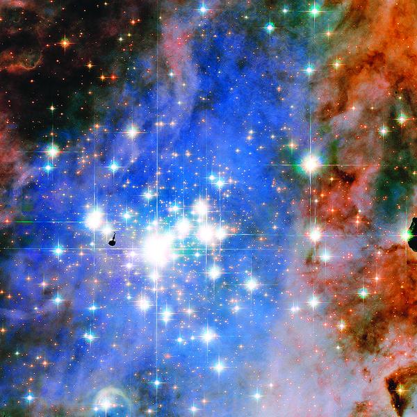 銀河系神秘微光來自鑽石雲