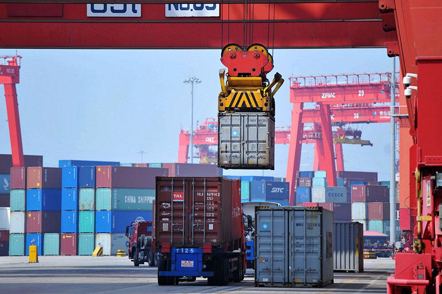 周二(7月10日),美國貿易代表(USTR)依特朗普總統的指示,公告對2,000億美元中國商品加關稅的清單,預計在8月底前完成徵求公眾意見程序。(AFP/Getty Images)