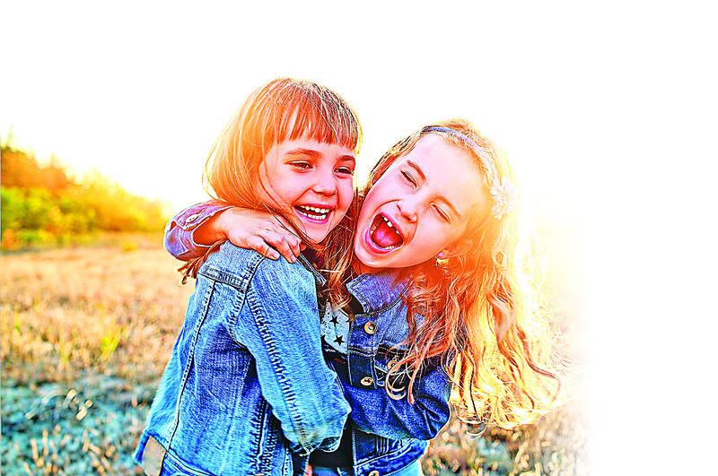 數碼時代兒童如何健康成長成為幼教界的關注點。(fotolia)