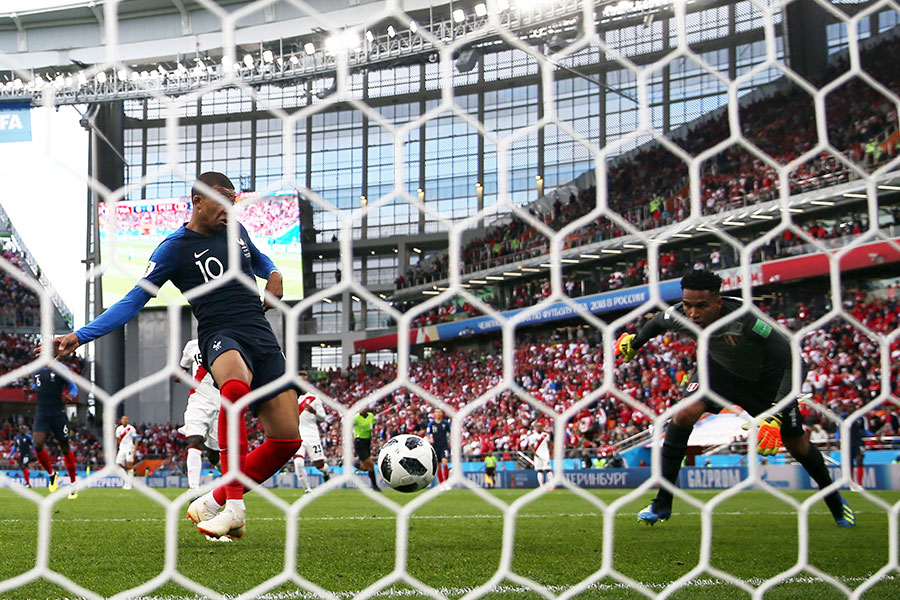 法國隊19歲新星基利安麥巴比刷新最年輕出場紀錄破門瞬間。(Catherine Ivill/Getty Images)