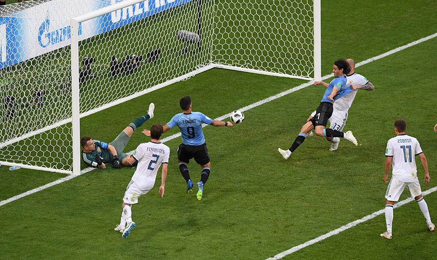 A組第一名爭奪:烏拉圭3比0完勝俄羅斯10人