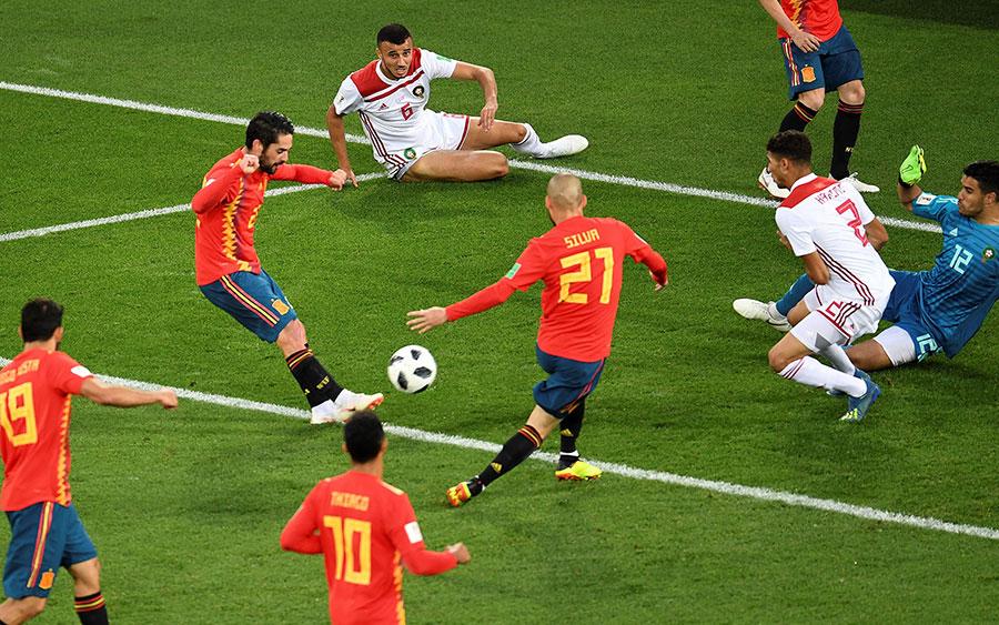 艾斯高幫助西班牙扳平比分。(OZAN KOSE/AFP/Getty Images)