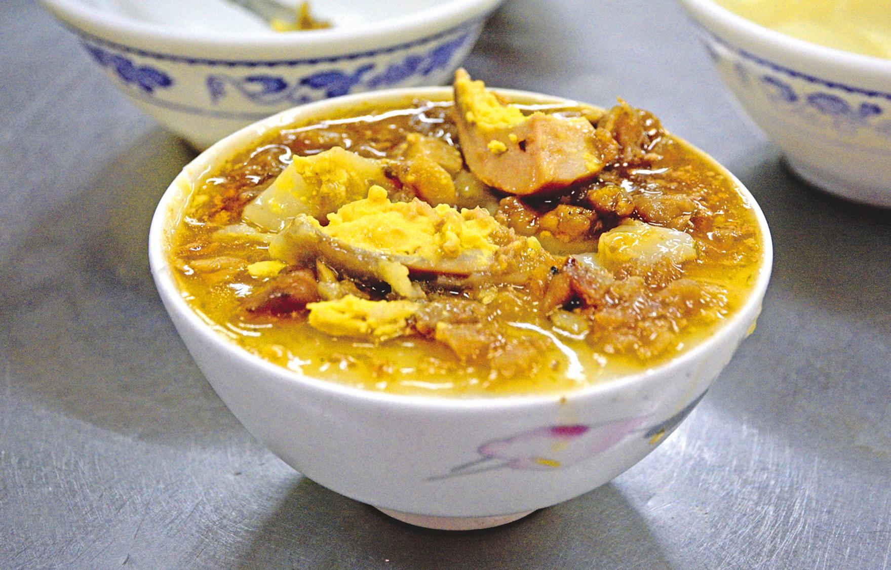 民權市場的60年老碗糕店,以2年以上的在來米磨製米漿。