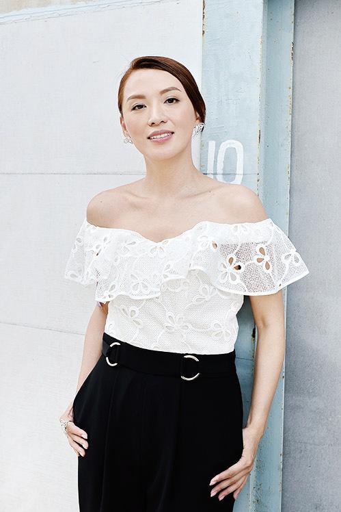 陳煒悉心打扮出席《多功能老婆》宣傳活動記者會。(宋碧龍/大紀元)