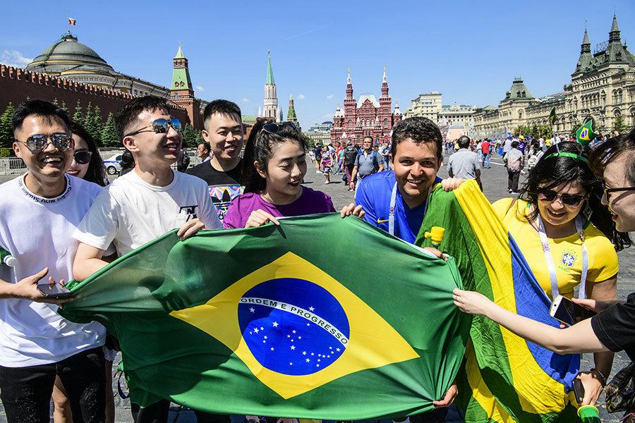 中國球迷在俄羅斯火了 因為這三個原因