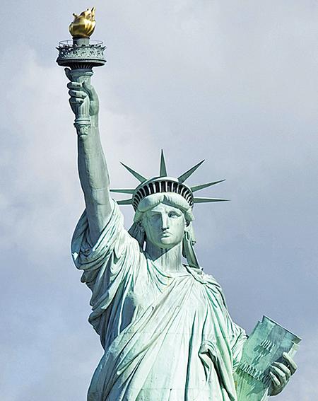 美國國會預算辦公室(CBO)估計,到2048年美國國債佔GDP的比率將達152%。(CBO)