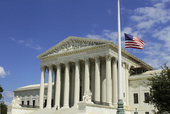 特朗普任命新的大法官或重塑最高法院格局,可能會讓保守派掌握多數。圖為華盛頓DC美國最高法院。(AFP/Getty Images)