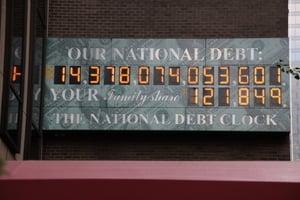專家:美國有王牌應對中共拋售美國債