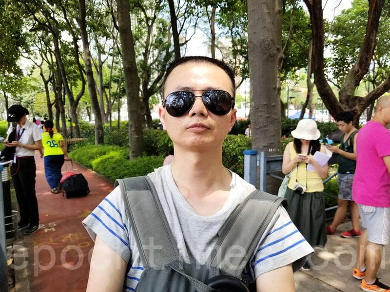 大陸客參加七一遊行 感謝香港人「讓大家看到希望」