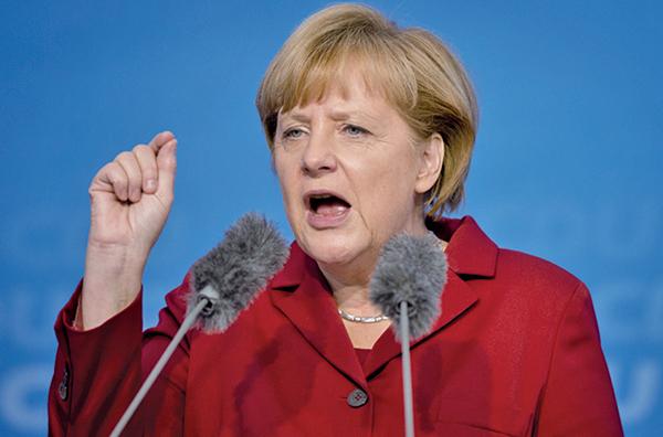 德國總理默克爾面臨前所未有的挑戰,其政治合作夥伴不同意她與歐盟國達成的難民協議,令德國政府陷入危機。(AFP)