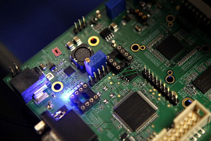 三星電子成功開發出了更能符合新一代移動產品需求的內存晶片。其開發的DRAM半導體每秒可以傳送14部高清電影,是業界最高速度。(Justin Sullivan/Getty Images)