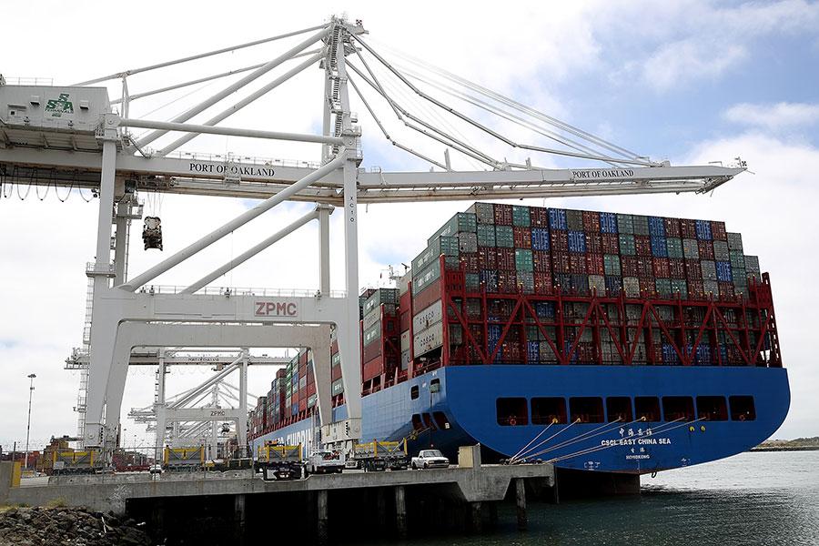 依白宮過去的聲明,化解中美貿易衝突,中共必須進行經貿體制改革,放棄掠奪性政策。(Justin Sullivan/Getty Images)
