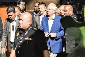 馬國前首相納吉布在家中被捕