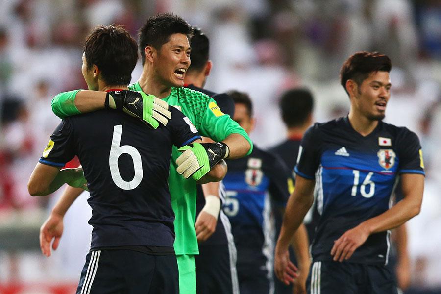 俄羅斯足球世界盃,儘管日本隊輸給比利時隊,沒能晉級八強,但日本隊員和球迷的自律贏得了全球的尊重。(Francois Nel/Getty Images)