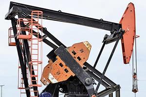 油價續創三年高峰 貿易戰或壓低原油需求
