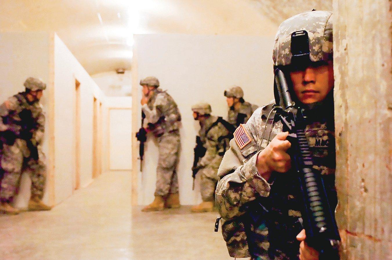 五角大樓花費5億美元,訓練美國士兵在地下作戰。(美國陸軍提供)
