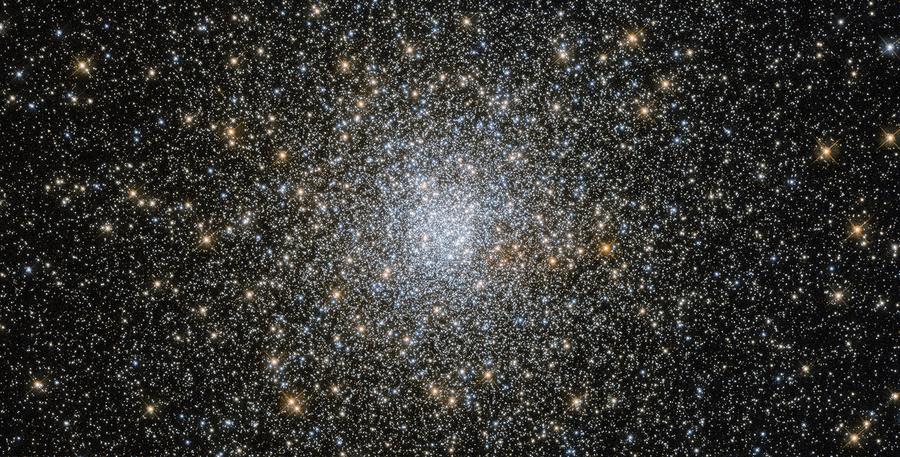 哈勃揭示百億年前古老星團