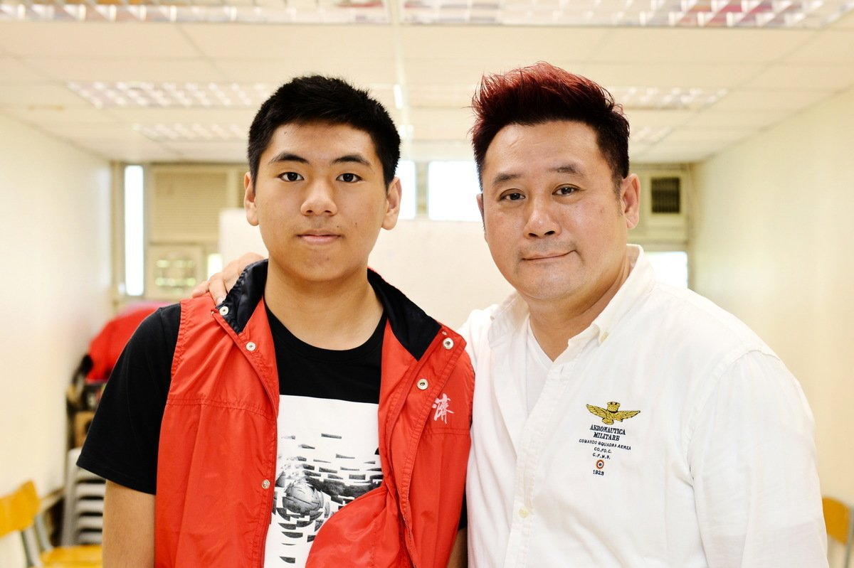 麥長青和江美儀主持的無綫節目《街巿遊樂團》很受歡迎。(宋碧龍/大紀元)