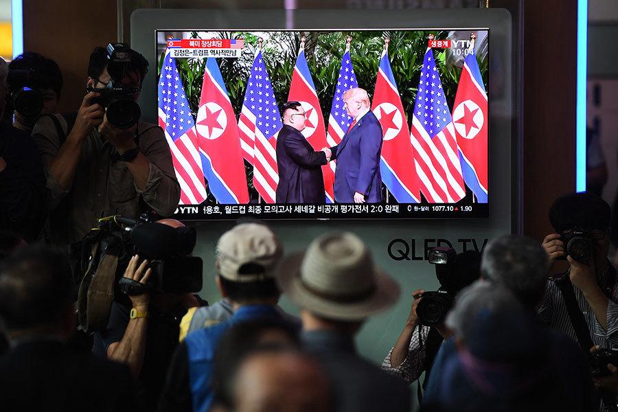 韓媒:特朗普致信金正恩 幕僚在板門店轉交